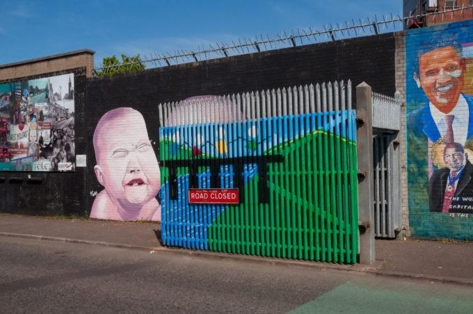Le mur qui séparait les deux Belfast