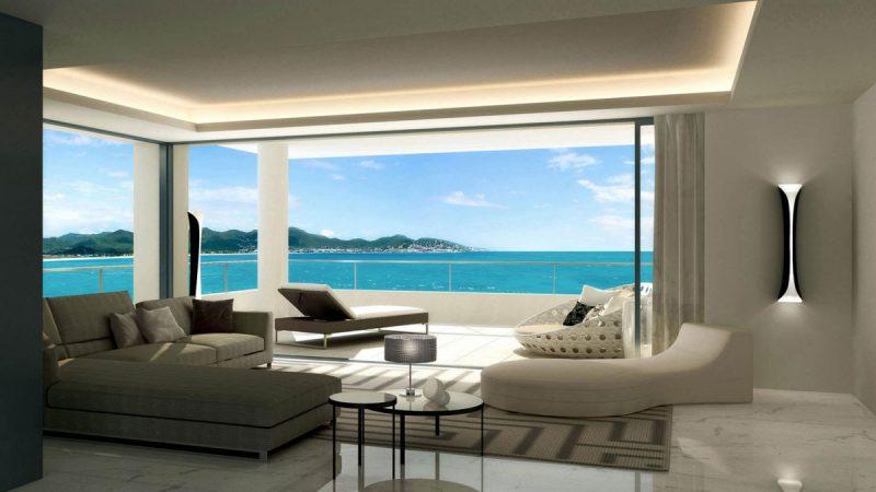 Le salon n'est pas en reste avec sa terrasse sur une des plages de Saint Martin