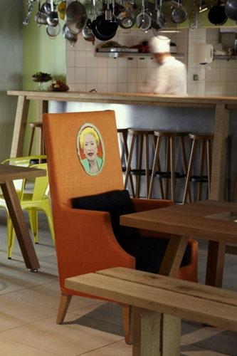 Le Mama Shelter à Marseille à découvrir : fauteuil stylé