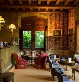 Un hôtel unique dans le château de Riell