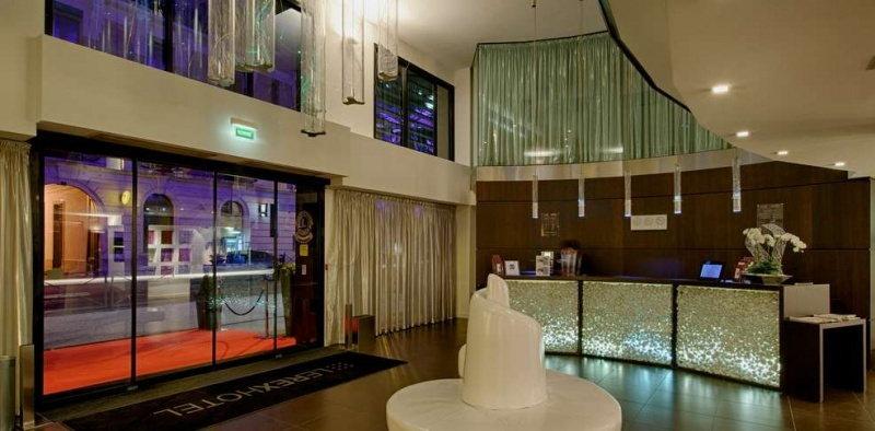 Le Rex Hôtel, un hôtel design au cœur des Pyrénées, hall d'entrée