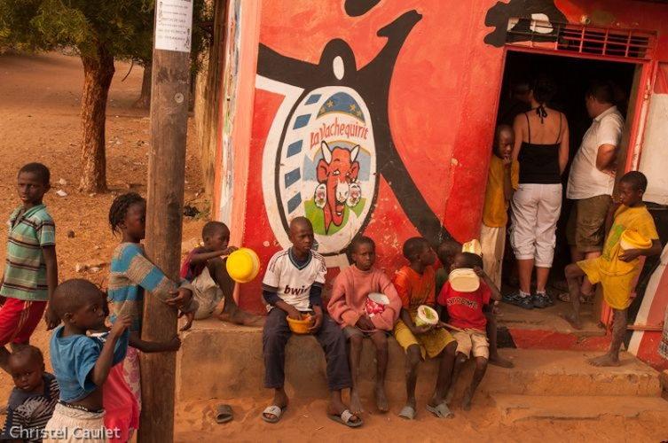 Un voyage en Afrique : des enfants dans la rue