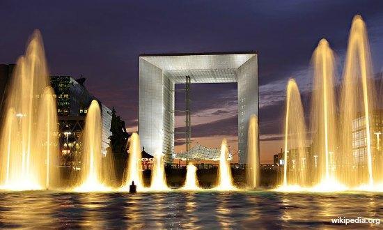 La Grande Arche de la Defense à Paris