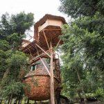 Hébergement insolite : Un village dans les airs