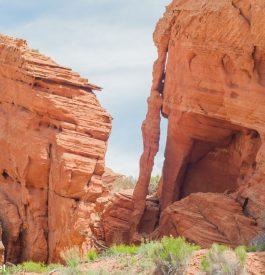 Passer par le desert de Buchskin Gultch aux États-Unis