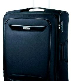 Prendre une valise pour voyager