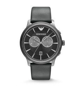 Mettre une montre Emporio Armani