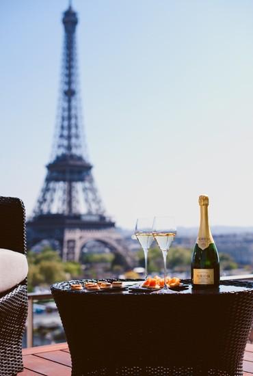 Un cocktail en terrasse à Paris