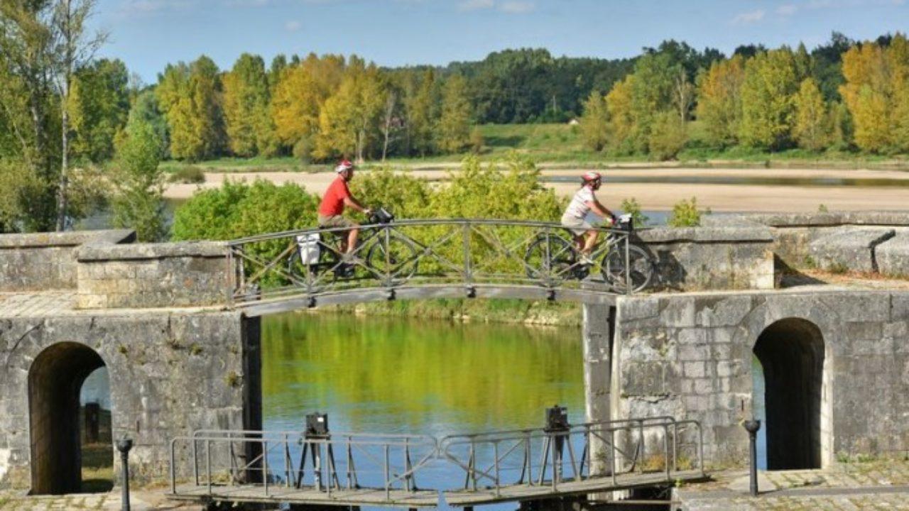 La Loire A Velo 800 Km De Pistes Cyclables Blog Voyage