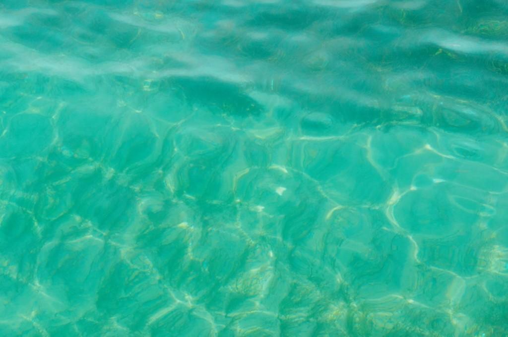L'eau est cristalline- catalina beach - costa croisières