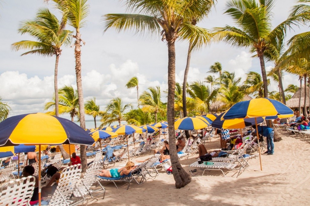 3000 personnes - catalina beach - costa croisières