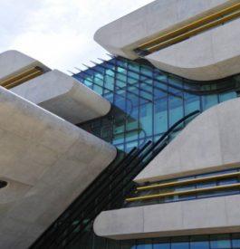 Se souvenir de Zaha Hadid, architecte lumineuse