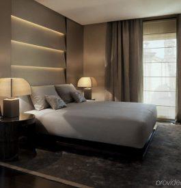 Se rapprocher du Armani hôtel à Milan