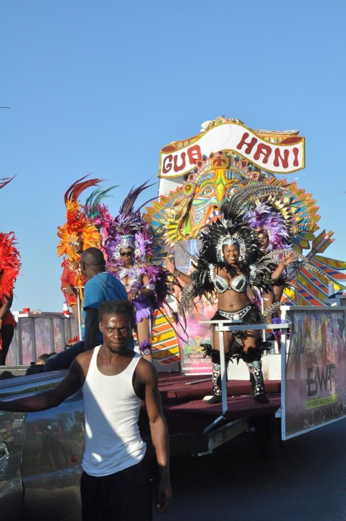 Parade lors du Junkanoo Carnaval