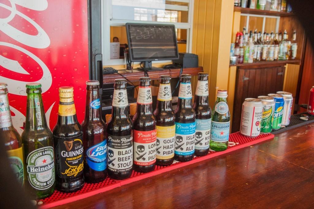 Jolie collection de bières locales aux Bahamas à Eleuthera