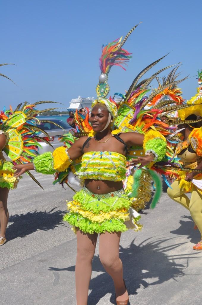 danseuse au Junkanoo Carnaval