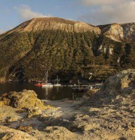 Hébergement insolite : dormir à côté d'un volcan
