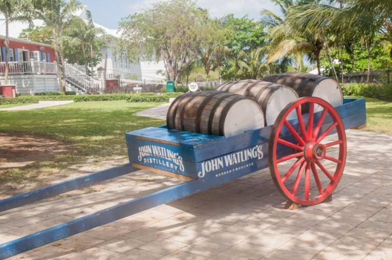 Bahamas - distillerie John Watlings