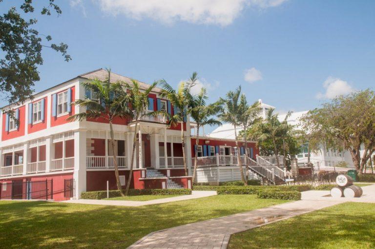 Voyage - Bahamas - distillerie John Watlings