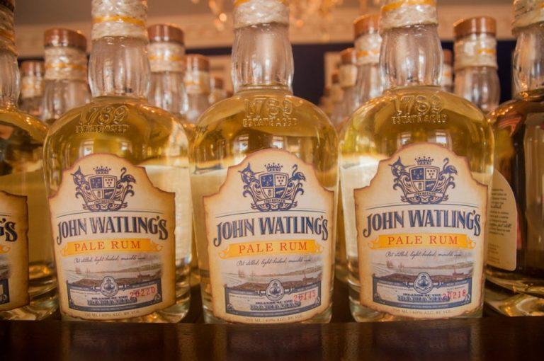 Bouteilles de rhum - John Watlings - Voyage aux Bahamas