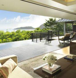 Arpenter l'hôtel Raffles aux Seychelles