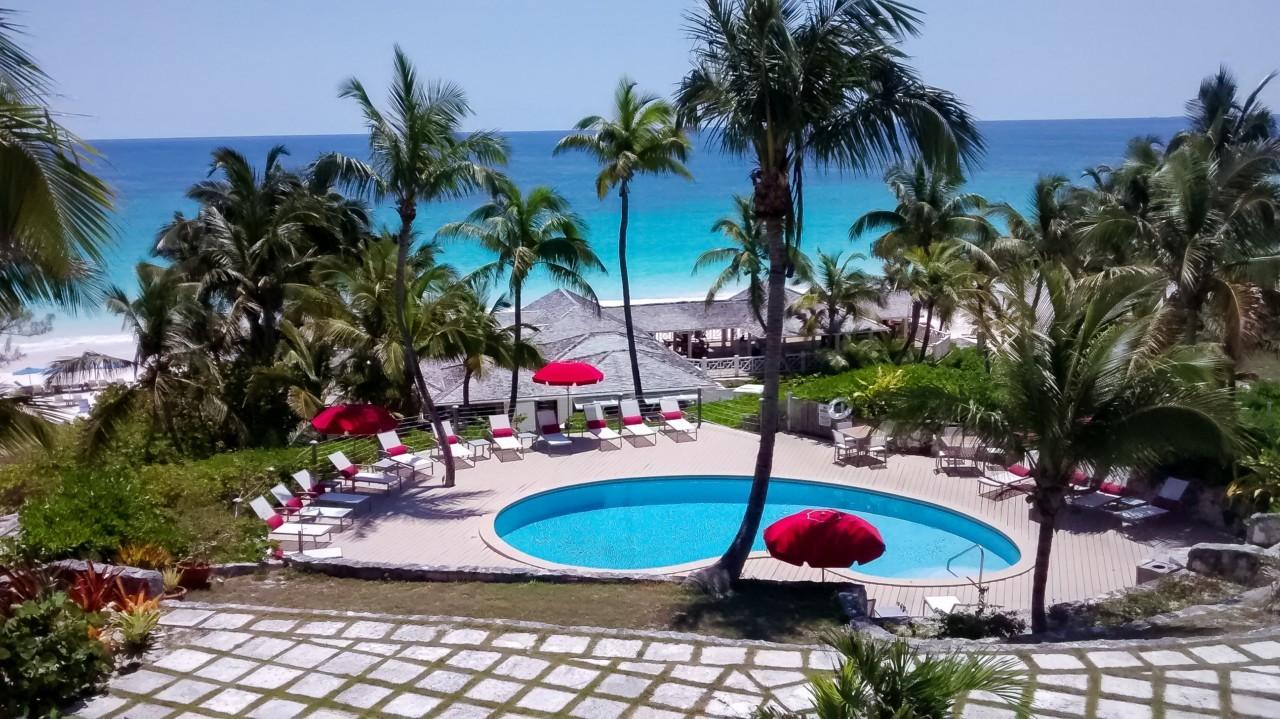La piscine du Coral Sands