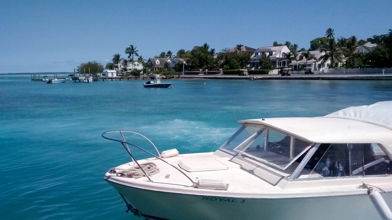 Le bateau privé pour découvrir les îles des atoll