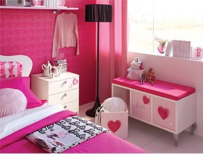 Découvrir la chambre Barbie au Plaza Athénée