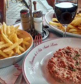 Repas à l'île Saint Louis à Paris