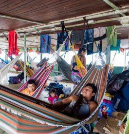 Dormir sur le bateau version low cost sur l'Amazone