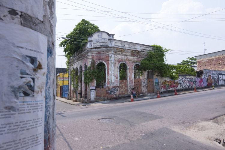 Cela sent la misère à Manaus