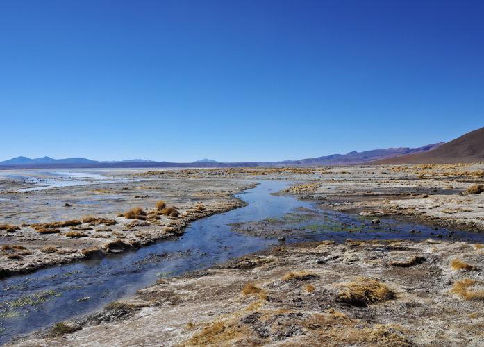Dans la lagune du sud de Lipez en Bolivie