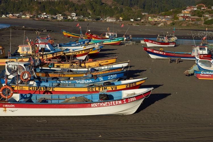 bateaux- plages de Llico -road-trip Chili