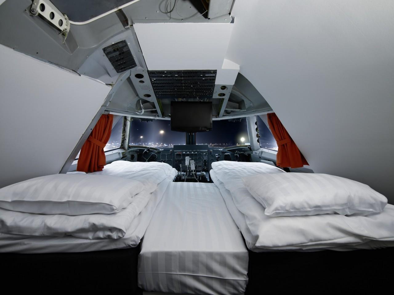 Dormir dans le cockpit d'un avion