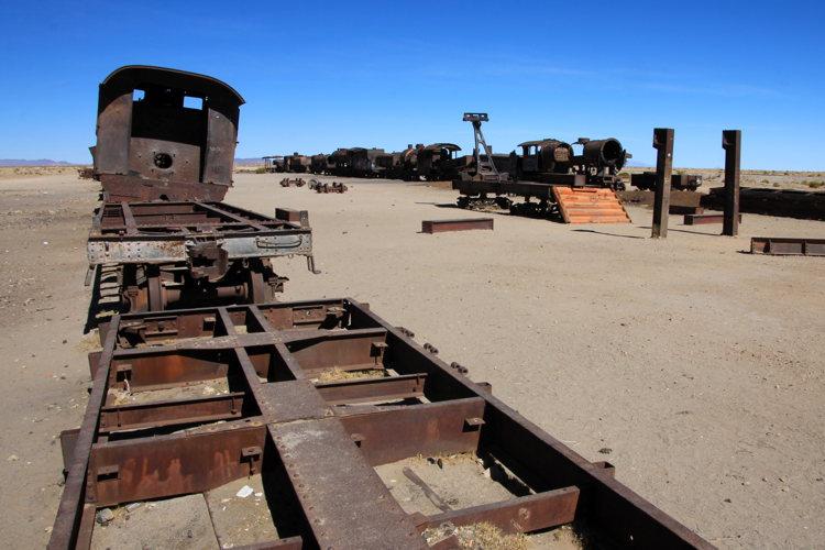 Les carcasses d'un vieux train en Bolivie