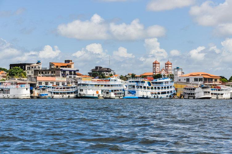 Arrêt à Santarem sur les rives de l'Amazone