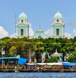 Voyage Brésil : La cathédrale de Santarem au loin