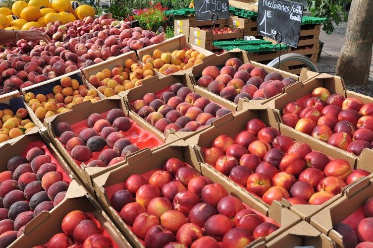 Des fruits frais et bien d'autres délices