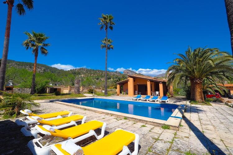 Immense terrasse chez Tania avec deux villas !