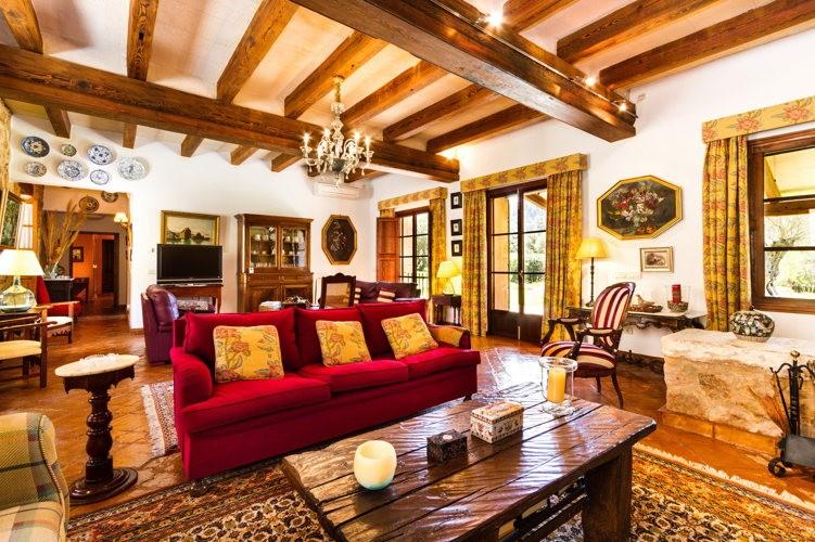 Chez Tania, la maison offre un côté vieille pierre très agréable !