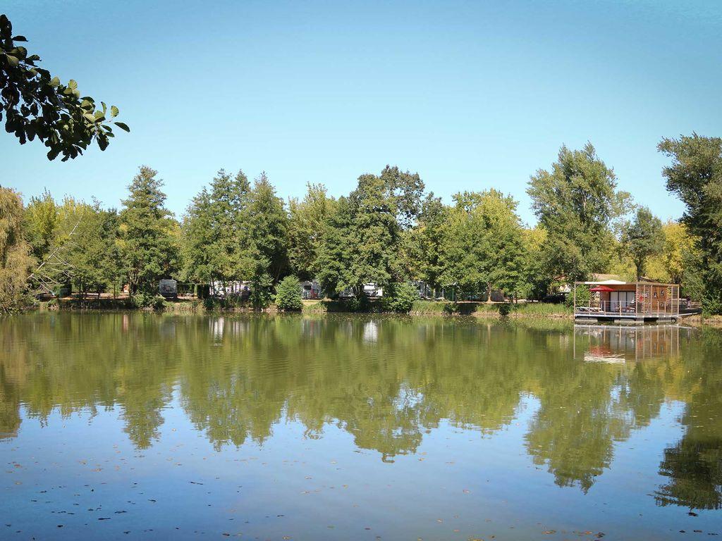 Hébergement insolite : La maison sur l'eau