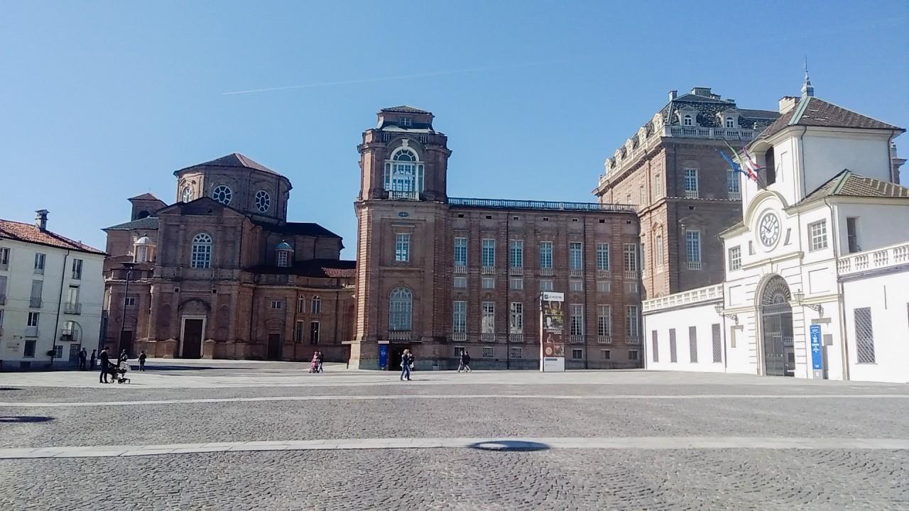 Au palacio Regga de Veneria