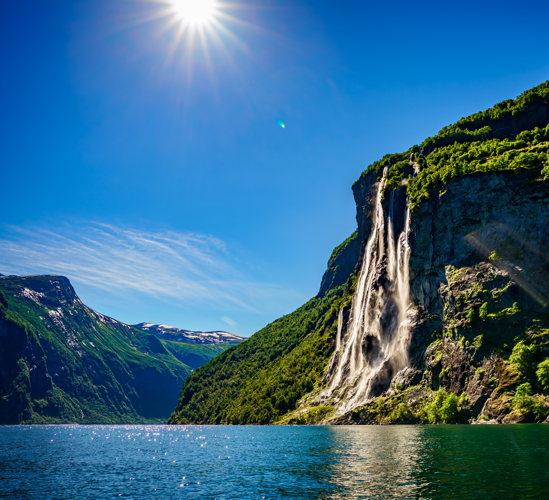 Des cascades sublimes en Norvège en croisière