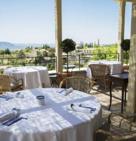 Découvrir le Pèir, le restaurant de Pierre Gagnaire à Gordes en terrasse