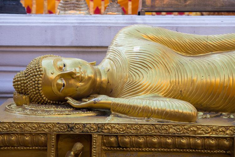 La sépulture à Chiang Mai dans le Wat Phrathat Doi Suthep