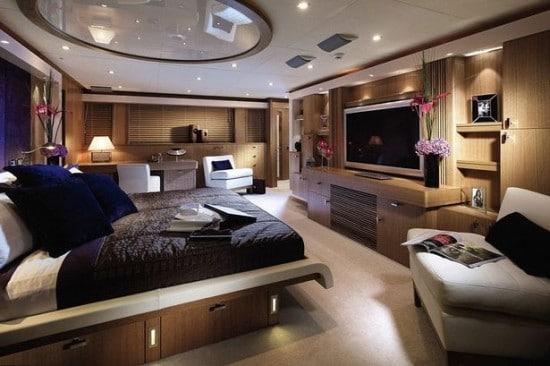 Dans une chambre dans un bunker de luxe
