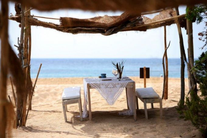 Sur la plage du Domaine de Murtoli