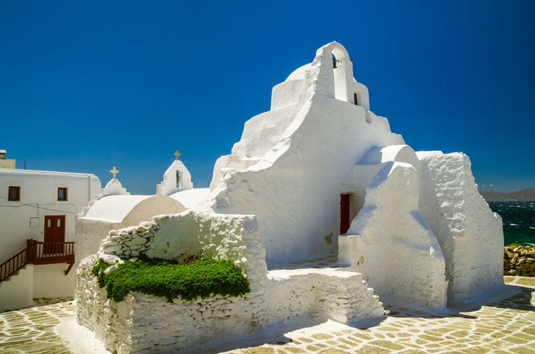 Tomber sur des rochers étranges à Mykonos