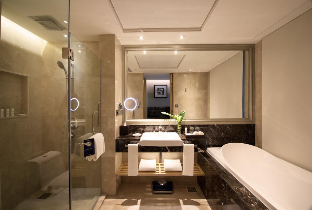 Ma salle de bain au Radisson Blu Plaza à Bangkok