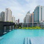 A la piscine au Plaza Radisson Blu à Bangkok